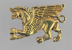 (Russia) A Scythian Gold Ornament. ca 4th century BCE. много пекторали из Толстой могилы и еще до кучи чуть чуть скифского и околоскифского золота. А это памятник пекторали, в Донецке, насколько я понимаю:…