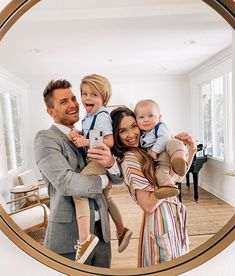 Pin by ☀ grace diamond ☀ on fam ✰ cute family, family goals, family kids. Baby Family, Family Kids, Young Family, Preppy Family, Rich Family, Family Family, Family Goals, Couple Goals, Future Mom