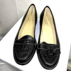 Talbots black dress loafers Size 9.5 W 9 1/2 Wide career shoes