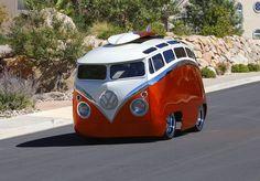 En ook deze keer is er geen letter gelogen van de clickbait titel boven aan deze post. Ron Berry, van origine uit Californië, maar al enige tijd woonachtig in Saint George Utah, is namelijk een vakman zoals er nog maar weinig zijn. Ten eerste kan hij onwaarschijnlijk goed plaatwerken, want let wel, de VW bus …