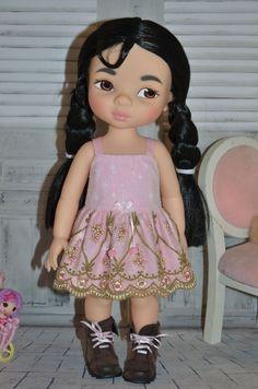 Dress for Disney animator dolls Dress has 3 snaps at the back. Handmade in my smoke-free workshop. All seams serged or zig zag Mulan Doll, Disney Animator Doll, Disney Dolls, Tiana, Disney Animators Collection Dolls, Aladdin, Pocahontas, Flower Girl Dresses, Doll Dresses