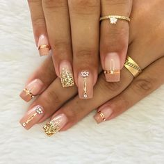 Gel nails with encapsulated art More information: # decoration . Aycrlic Nails, Pink Nails, Hair And Nails, Marble Nail Art, Short Nails Art, Gel Nail Designs, Manicure And Pedicure, Wedding Nails, Cross Stitch Patterns