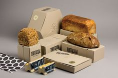Branding and packaging design for TRITICUM, bakery. You can smell the bread trough the packaging! Bread Packaging, Bakery Packaging, Cookie Packaging, Food Packaging Design, Box Packaging, Packaging Company, Simple Packaging, Different Types Of Bread, Food Design