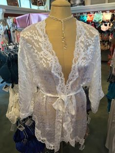 Only 2 days left in Christina's #BridalGiveaway! Stop by the shop, & enter to win this stunning silk Kimono by legendary San Francisco Designer #MaryGreen!   #BoCo #BoulderBride #BoulderGirl #SummerSale #BoulderLifestyle   Christina's Luxuries  2425 Canyon Blvd.  Suite 100  Boulder, CO 80302   T (303) 443 2421 www.christinasluxuries.com  info@christinasluxuries.com