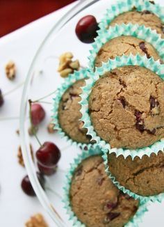 A healthy breakfast muffin with fresh, juicy cherries and crunchy walnuts using ground oats! Healthy Breakfast Muffins, Oat Muffins, Gluten Free Muffins, Blueberry Breakfast, Oats Recipes, Whole Food Recipes, Free Recipes, Healthy Recipes, Walnut Bread Recipe