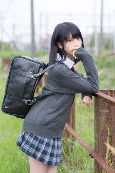 School Girl Japan, School Girl Outfit, Girl Outfits, Cosplay Outfits, Cosplay Girls, Cute Asian Girls, Cute Girls, Japonese Girl, Female Pose Reference