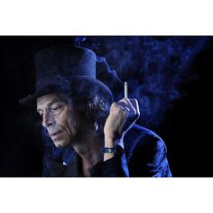 ©Joe McNally In honor of #madhatterday a shot of Aad I made for a demo. Wonderful guy-great in front of the lens!