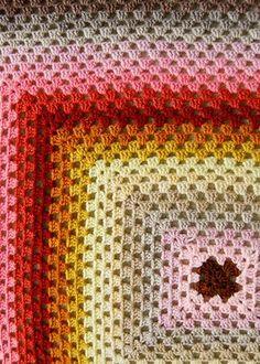 """Κερασόπιτες: Κουβέρτα με τετραγωνάκια """"της γιαγιάς"""""""