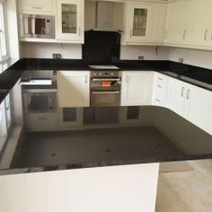 What cabinet colors goes well with Tan Brown granite countertops? Tan Brown is so popular for countertops is that it goes well with many cabinet colors. Tan Brown Granite, Brown Granite Countertops, Kitchen Countertops, Kitchen Cabinets, Cabinet Colors, Black And Brown, Pearl, Silk, Home Decor
