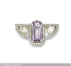 FABERGÉ Karl (Carl), 1846-1920 (Russia) Title : A RUSSIAN BROOCH Date : 1896/1908   Category : Jewellery Medium : : amethyst, pearl and diamond