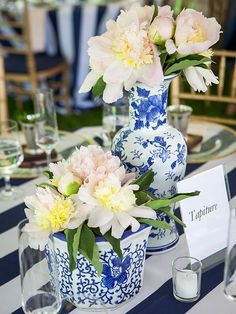 Ginger jars are the perfect addition to a blue color scheme! Fill them with flowers for chic wedding centerpieces. Preppy Wedding Dress, Chic Wedding, Wedding Day, Wedding Reception, Preppy Wedding Theme, April Wedding, Wedding Weekend, Wedding Goals, Perfect Wedding