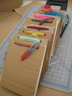 Bookmaking Carly Correa: How to Make Recycled Notebook/Sketchbooks-recycling and sketching Middle School Art, Art School, Karton Design, Art Doodle, Paper Toy, Handmade Books, Recycled Art, Book Binding, Art Classroom