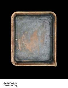 developers tray.... could use old tins and buckets like this as canvases. Would the wax stick to metal?