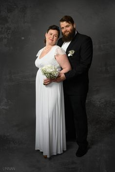 Hääkuvaus / Wedding photography.  Studio Wedding Portrait.  Linnan Juhlakuva Bridesmaid Dresses, Wedding Dresses, Wedding Portraits, Wedding Photography, Studio, Fashion, Bridesmade Dresses, Bride Dresses, Moda