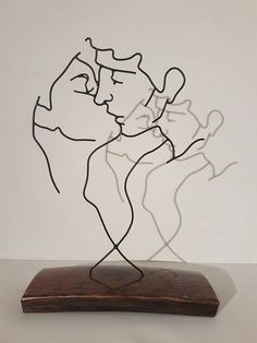 For my platonic love – Kafme Welding Art Projects, Metal Art Projects, Wire Crafts, Metal Crafts, 3d Zeichenstift, Art En Acier, Sculptures Sur Fil, Wire Art Sculpture, Metal Sculptures