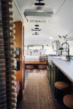 If you are looking for the best camper makeover for your home then you should definitely start looking online Airstream Living, Airstream Remodel, Airstream Renovation, Airstream Interior, Diy Interior, Airstream Decor, Van Living, Tiny House Living, Home Living
