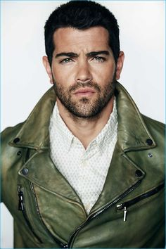 Jesse Metcalfe sports a green leather biker jacket from John Varvatos with a Cake for Monarchs shirt. Jesse Metcalfe, Green Leather, Leather Men, Leather Jackets, Gay, Taylor Kitsch, Karl Urban, Michael Scott, Hommes Sexy