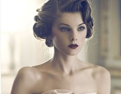The Stunning Vintage Updo for Wedding Hair