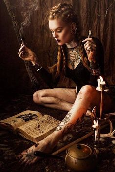 64 Ideas For Dark Fantasy Art Women Witch Dark Fantasy Art, Fantasy Art Women, Dark Art, Demon Aesthetic, Art Noir, Witch Photos, Steampunk, Arte Obscura, Modern Witch