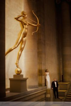 There are so many technical reasons why I love this image photographed during a Philadelphia Museum of Art wedding, as well as it is an overall dramatic and beautiful photo… The contrast of light and dark area, the three dimensional shapes that seem to come out of the image & the iconic arrow of the statue Diana perfectly frames the top of the image allowing the viewer to circle back to the couple. Creative Wedding Portrait. Photo:Sarah DiCicco
