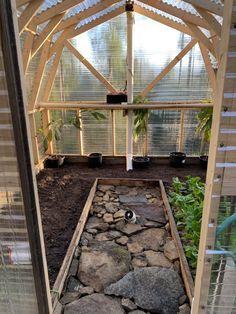 Precious Tips for Outdoor Gardens - Modern Diy Greenhouse Plans, Backyard Greenhouse, Greenhouse Gardening, Greenhouse Shelves, Farm Gardens, Outdoor Gardens, Landscape Design, Garden Design, Garden Art