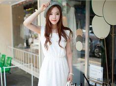 Đầm Vintage ren trắng. Giá khuyến mãi chỉ có 145.000đ