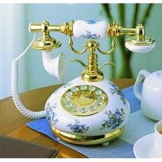 Blue and White Porcelain Antique Phone Antique Porcelain Telephones Antique Phone, Antique Desk, Antique Items, Vintage Phones, Home Phone, Phone 7, White Porcelain, Telephone, Decoration