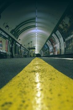 TUBE STATION | LONDON | ENGLAND: *London Underground*