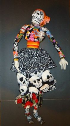 """Hand Made Day of The Dead 29"""" Catrina Doll Mexican Folk Art Paper Mache 