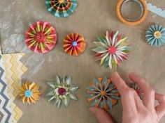 ▶ Making Accordion Flowers or Rosettes with Chevron papers - YouTube