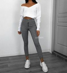 bsessed with our new Mono dogstooth Trousers ?Pant - : bsessed with our new Mono dogstooth Trousers ? Winter Fashion Outfits, Look Fashion, Winter Outfits, Fashion Black, Fashion Mode, Classy Fashion, 2000s Fashion, Women's Fashion, Teenager Outfits