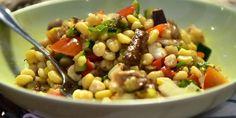 Σαλάτα με ρεβύθια,ψητά λαχανικά και dressing μουστάρδας!2 μονάδες σύνολο.1 απο τα ρεβύθια και 1 απο το λάδιΥλικά400 γραμμάρια ρεβίθια I Want To Eat, Black Eyed Peas, Kung Pao Chicken, Salads, Beans, Vegetables, Ethnic Recipes, Food, Essen