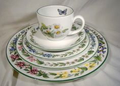 Royal Worcester WORCESTER HERBS Five Piece Place Setting