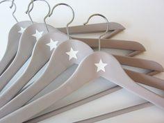 Kleiderbügel - 5 Kleiderbügel STAR in greige - ein Designerstück von COSITAS bei DaWanda