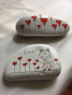 Looking for some easy painted rock ideas to get inspired by? See more ideas about Rock crafts, Painted rocks and Stone crafts. Rock Painting Patterns, Rock Painting Ideas Easy, Rock Painting Designs, Pebble Painting, Pebble Art, Stone Painting, Painting Art, Garden Painting, Body Painting