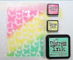 Picked raspberry, squeezed lemon, Cracked pistachio - Mini distress ink background with stencil Distress Markers, Tim Holtz Distress Ink, Distress Oxide Ink, Distress Ink Techniques, Embossing Techniques, Butterfly Stencil, Card Making Designs, Card Making Techniques, Tonne