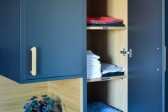 garderobe-soverom-eikefiner-brubakken-home Bedroom Wardrobe, Wardrobes, Lockers, Locker Storage, Cabinet, Interior, Furniture, Home Decor, Bedroom
