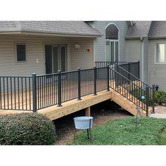 58 Creative Deck Railing Ideas for Inspire What You Want - hdintex Metal Deck Railing, Deck Railing Design, Patio Railing, Patio Deck Designs, Railing Ideas, Deck Guardrail Ideas, Railings For Decks, Step Railing Outdoor, Aluminum Porch Railing