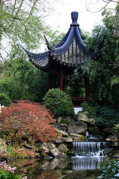 Jardin Yili De Saint Remy L Honore Jardins De Chine Et Du Japon