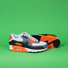 Re-stock of the @Nike Air Max 90 essential classic colourway and ideal summer shoe #nike #nikes #nikeshoes #airmax #airmax90 #sneakerhead #sneakers #sneakerporn #trainers #kicks #kotd #thedropdate #therealblacklist