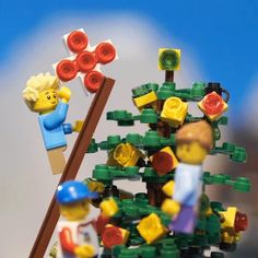 The LEGO townsfolk have the perfect star to wish upon! #AwesomeMoment
