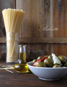 görög házi olívabogyó és olaj by babettee, via Flickr