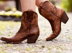 Lord take the Trustie Idyllwind wheels. These Wheels Western booties are meant for everyday wear for the everyday BOSS. Cowboy Boots Women, Western Boots, Short Cowgirl Boots, Country Boots, Hot Wheels, Over Boots, Doc Martens Boots, Wedding Boots, Expensive Shoes
