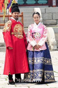 Moon Chae Won  The Princess' Man (Hangul: 공주의 남자; hanja: 公主의 男子; RR: Gongju-eui Namja) is a 2011 South Korean television series, starring Park Si-hoo,Moon Chae-won, Hong Soo-hyun. It is a period drama about the forbidden romance between the daughter of King Sejo and the son of Sejo's political opponent Kim Jong-seo.