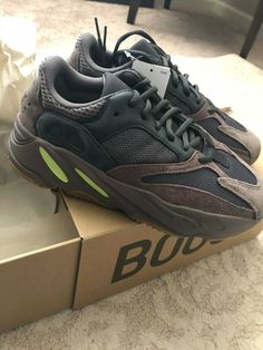 98ebb728fcb Yeezy Boost 700 Mauve Size 7 Wave Runner 100% Authentic Adidas Kanye West  2018
