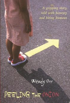 Peeling The Onion by Wendy Orr - Paperback - S/Hand