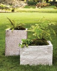 "Faux Bois Planter Mold Faux bois, French for ""fake wood,"" makes for stunning garden pots and planters. Lightweight and durable, faux bois is pretty simple to make too. Concrete Planters, Garden Planters, Planter Pots, Diy Concrete, Cement Pots, Concrete Garden, Diy Planters, Moss Garden, Garden Crafts"