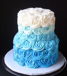 A Blue Ombre Buttercream Roses Wedding Cake for a Beach-Themed Wedding. Plus a small heart-shaped cake for the bride and groom to share! I like Ombre Cakes Alot! Small Wedding Cakes, Wedding Cake Roses, Rose Wedding, Baby Shower Cakes For Boys, Baby Boy Cakes, Pastel Baby Niño, Torta Angel, Buttercream Roses, Shower Bebe