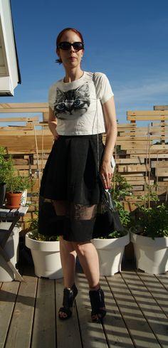 Chic, Sexy, + Fun!: @expresslife skirt + @forever21 #croptop and #booties!: http://www.thepurplescarf.ca/2014/07/fashion-style-chic-sexy-fun.html #fashion #style #styletips #thepurplescarf #melanieps