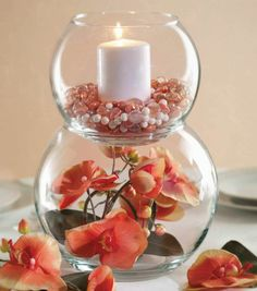 vase boule, déco avec des fleurs et des bougies